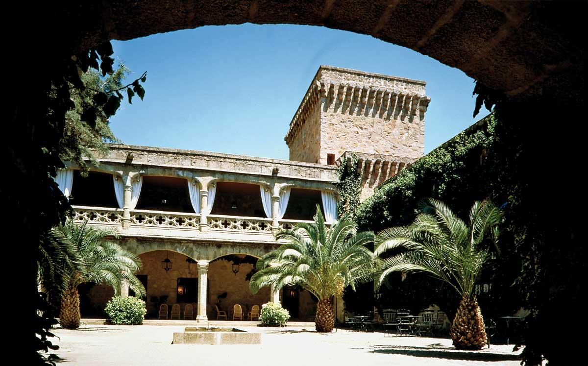 Los 5 mejores palacios y castillos de bodas palacio de - Parador de la granja fotos ...