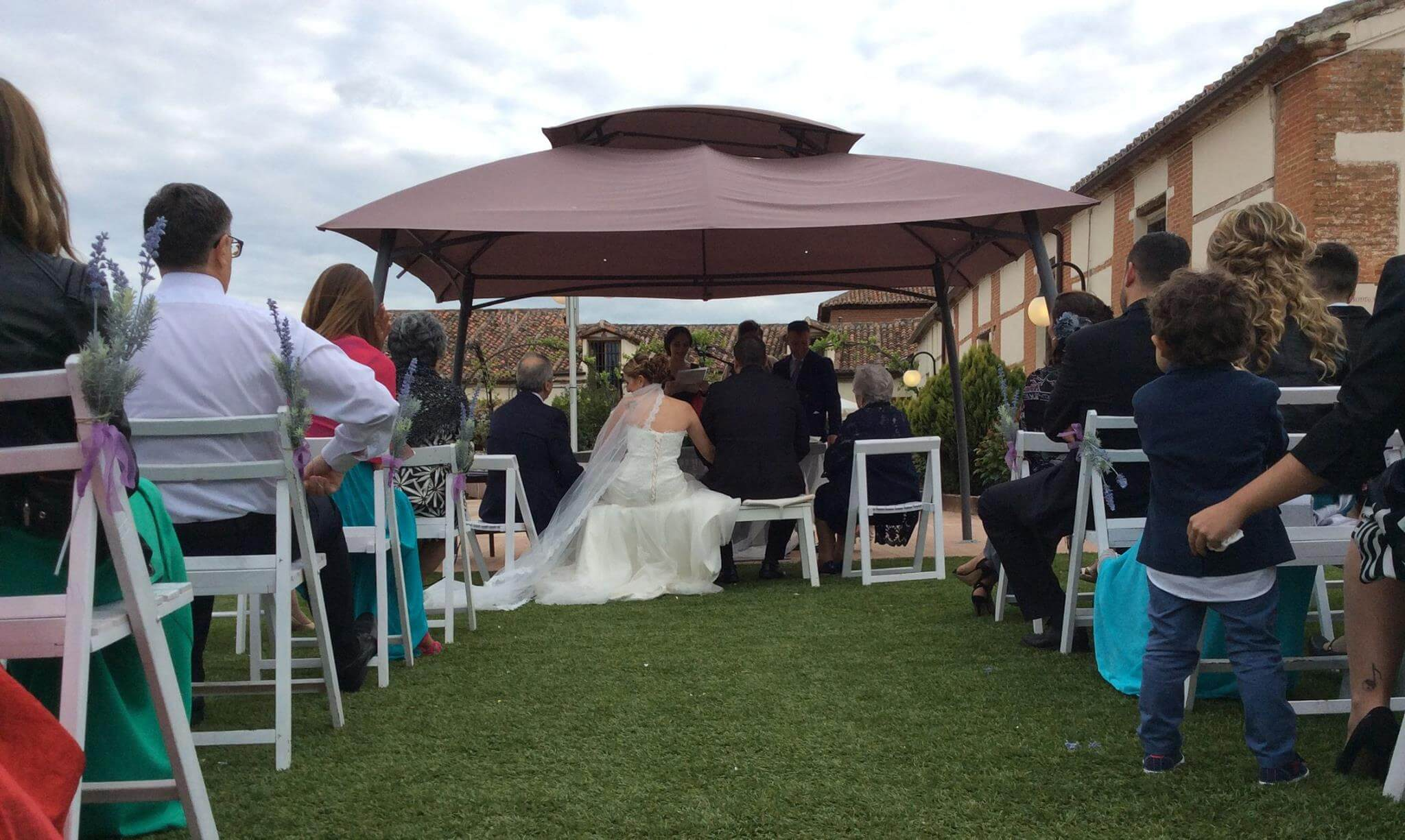 celebrar boda al aire libre min