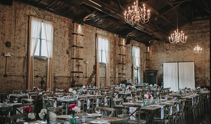 30bef91604c boda industrial. Lugares abandonados como naves o fabricas, son una fuente  de inspiración para decorar al estilo más vanguardista y diferente ...